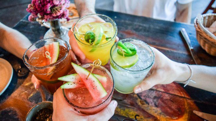 Andrzejkowy drink bar w zaciszu domu – poznaj smaki najlepszych koktajli